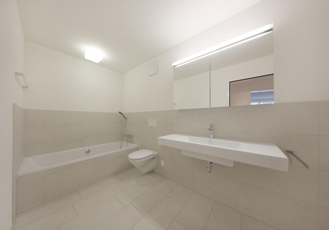 7_Obersee_Immobilien_Badezimmer