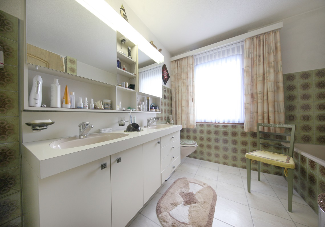 13_Obersee_Immobilien_Badezimmer