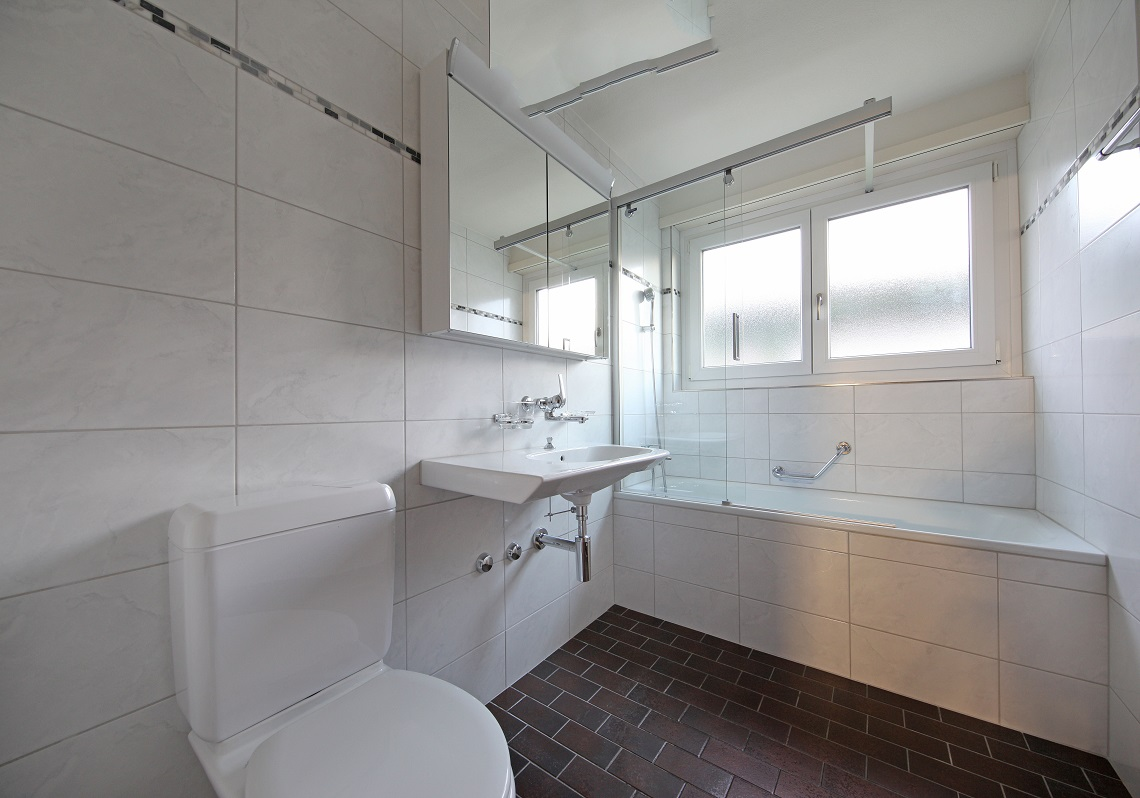9_Obersee_Immobilien_Badezimmer